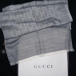 NWT Gucci gray jacquard logo scarf Authentic!